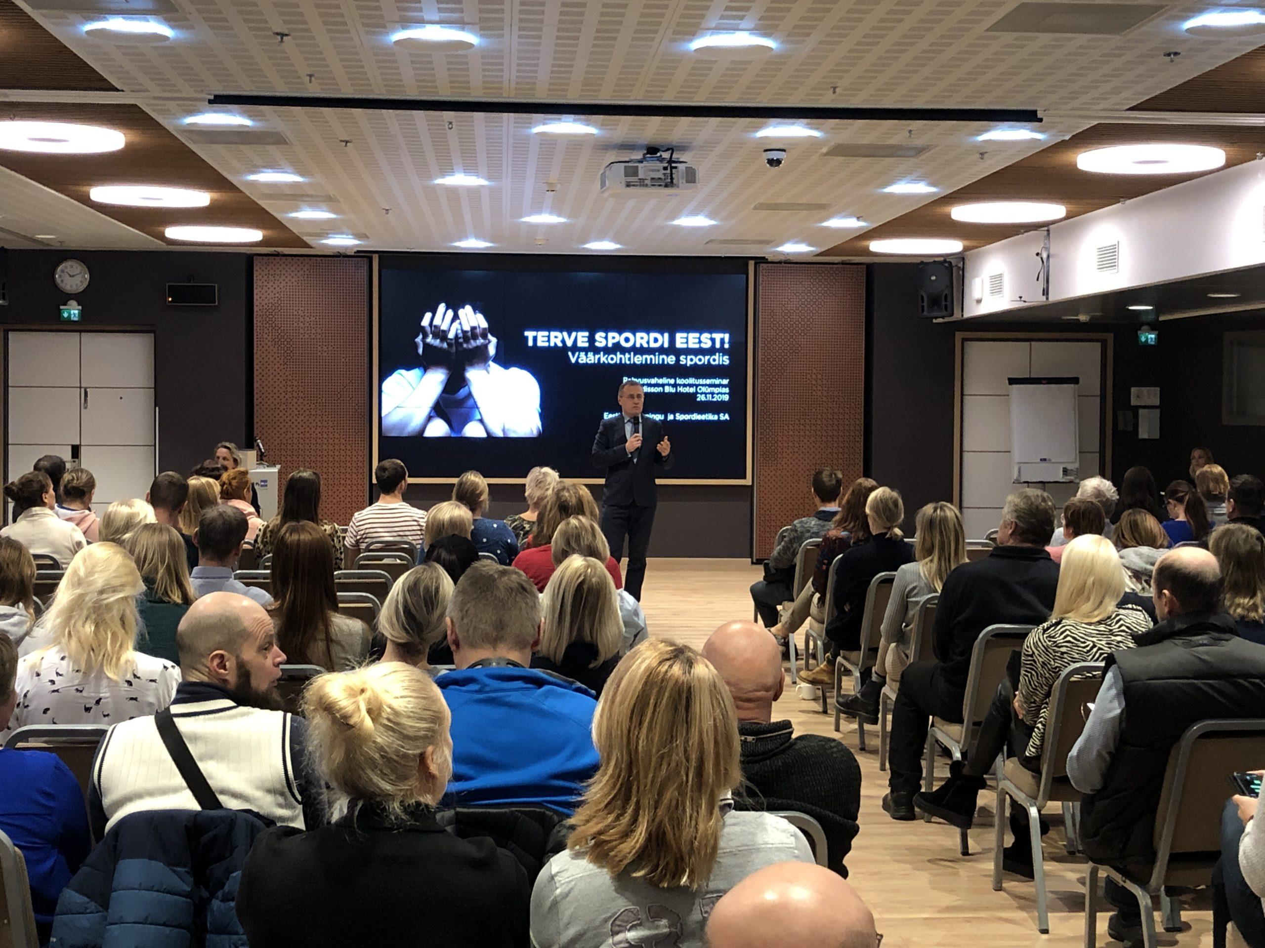 """Kultuuriminister Tõnis Lukas avas seminari """"Terve spordi eest: Treeneri ja spordiorganisatsiooni roll ning vastutus väärkohtlemise ennetamisel ja sekkumisel"""""""